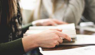 専業主婦が取得するならどの資格?選び方や勉強のポイントを解説します