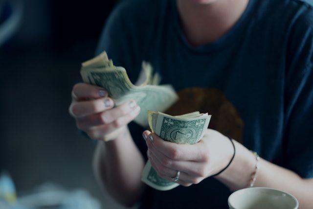 年収600万円の人の生活水準とは?年齢や業種、目指すための手段